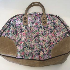 Handbags - Floral weekender bag!